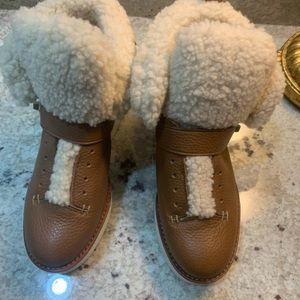 Coach Tan Leather Snow Boots with Fur